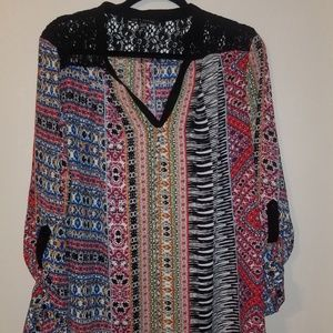 Multi print vee neck blouse w/lace panel on back